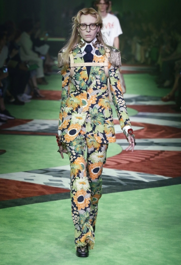 Gucci, Designer: Gucci, Availability: Gucci.com - Spring/Summer 2017